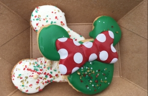 Holiday Mickey and Minnie Cookies