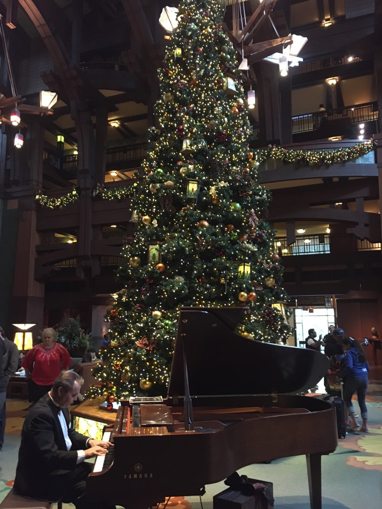 Grand Californian Tree